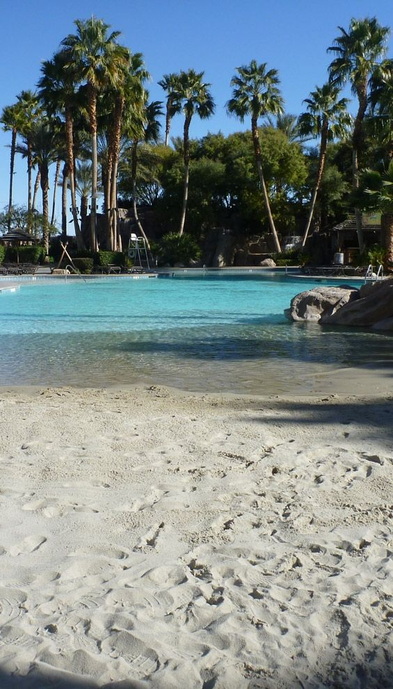 tahiti-village-las-vegas-pool-sand-entrance – copia